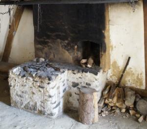 hausfeuerstelle für kaminholz
